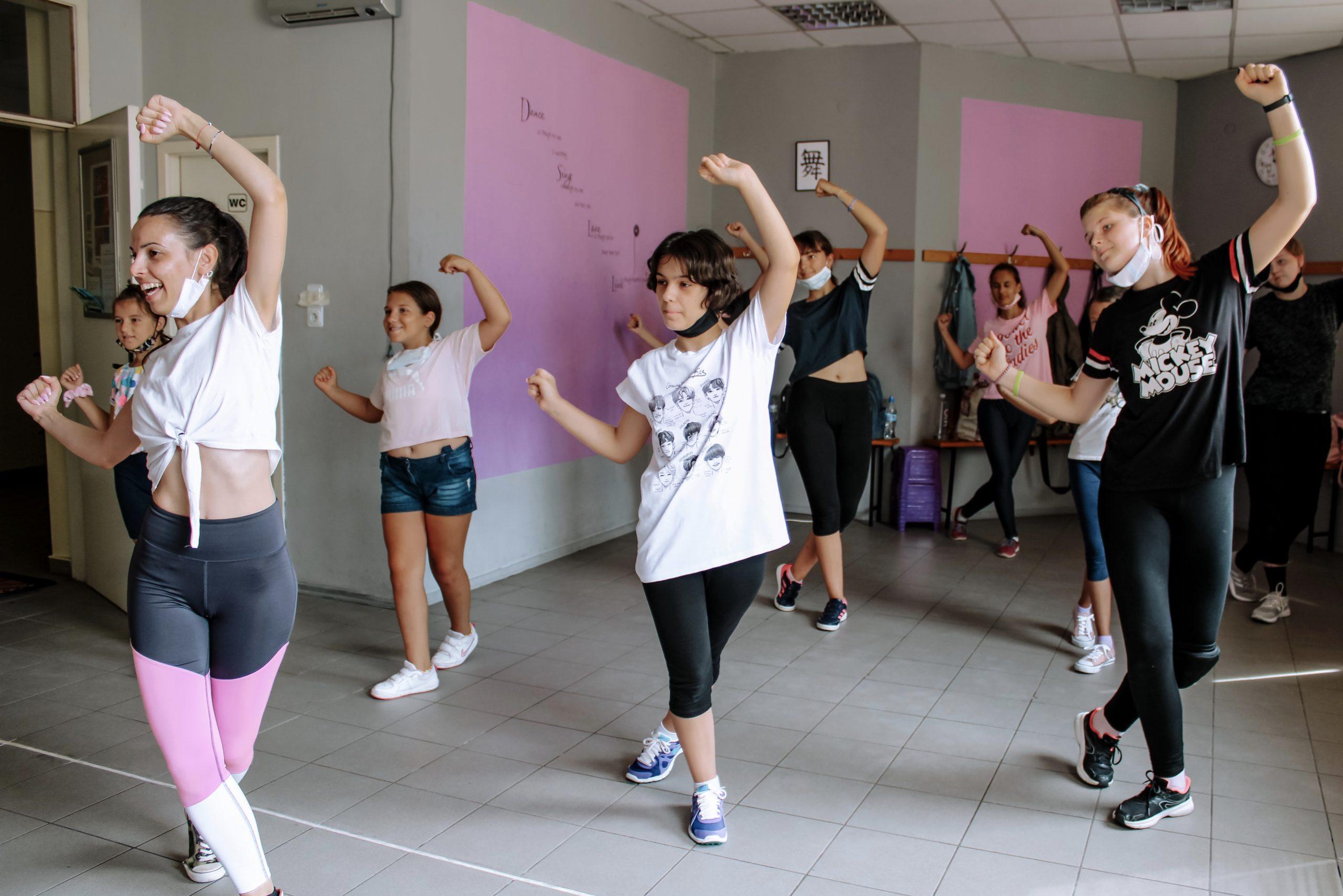 k-pop танци
